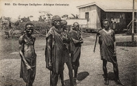 Un groupe indigène (Afrique Orientale)- In front of Kikuyu Station