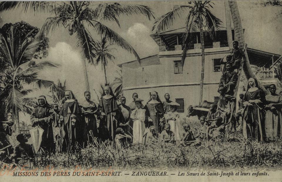 Zanguebar - Les Sœurs de Saint-Joseph et leurs enfants
