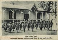 Nyeri (Africa Or.) UN grazioso esercizio ginnastico delle allieve di una scuola cattolica