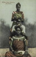 Weiber beim Kämmen, Ost-Afrika
