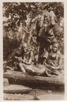 Nil (Kikuyu women ?)