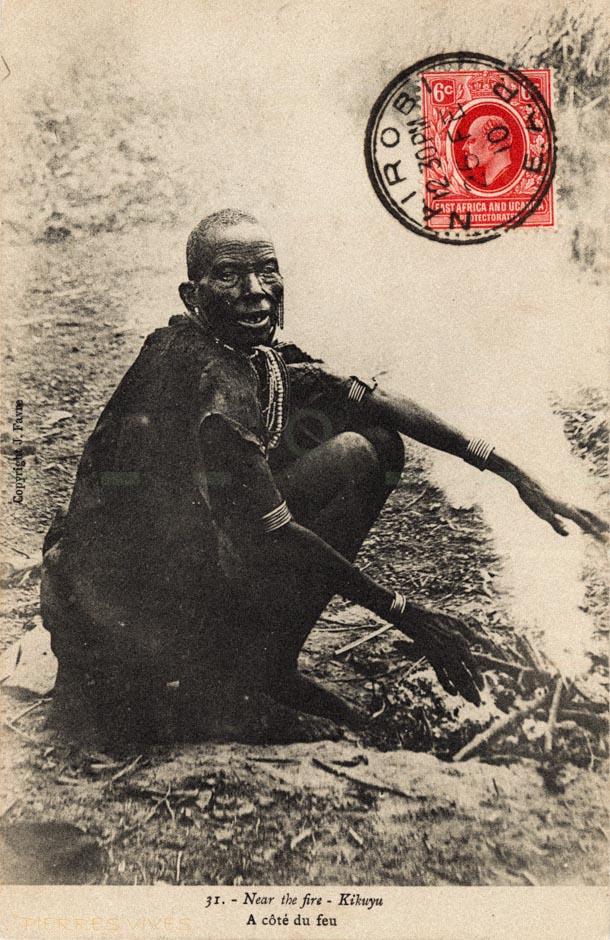 Near the fire - Kikuyu - A côté du feu