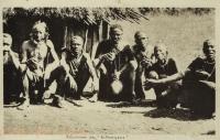 Les Kikouyous réunis pour boire le njohi
