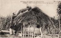 AFRIQUE ORIENTALE - Les Femmes bâtissant leur case