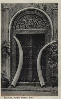 Zanzibar, Arabic carved door