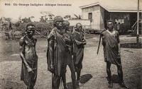 Un groupe indigène (Afrique Orientale)