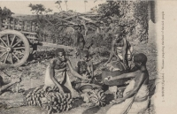 KISUBI (Uganda) Women preparing the food of the sick peole