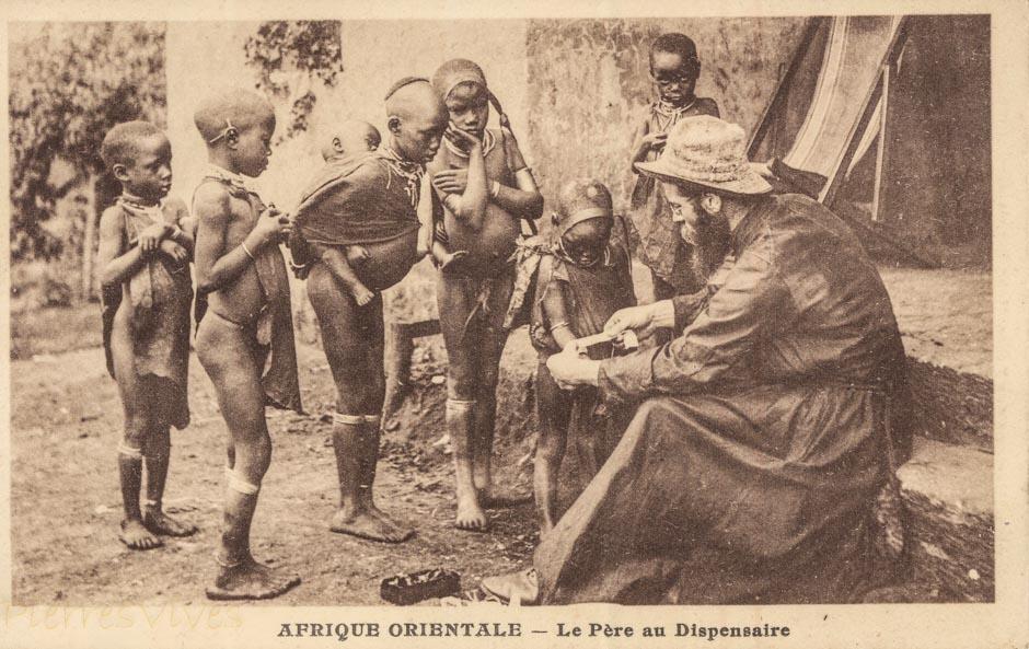 AFRIQUE ORIENTALE - Le Père au dispensaire