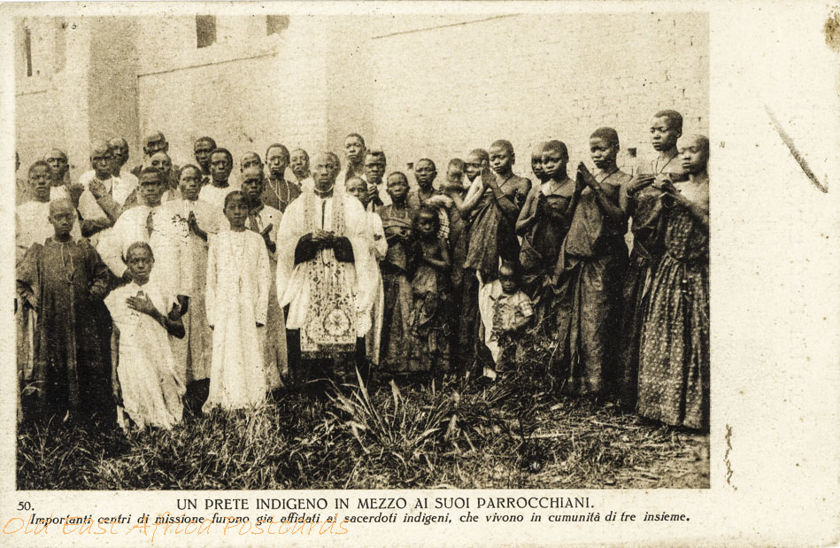 Un Prete indigeno in mezzo a suoi parrochiani