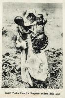 Nyeri (Africa Cent.) - Strapatti al denti della iena