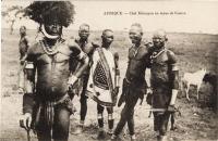 AFRIQUE - Chef Kikouyou en tenue de guerre