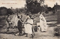 Masaia women at the pipe