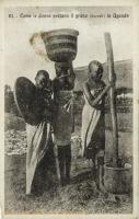 Come le donne pestano il grano in Uganda